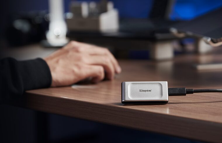 Kingston-XS2000-SSD-portátil-bolsillo